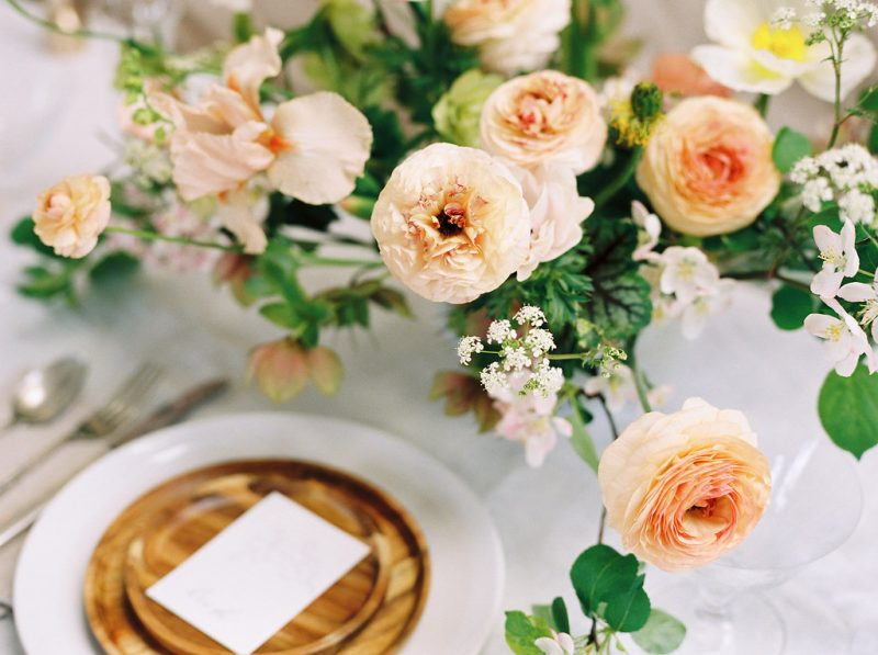 Ranunculus table styling